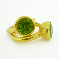 B-R04gp_pd Acorn Cup Ring with Peridot