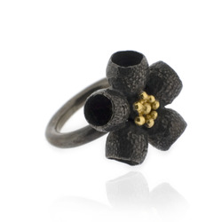 B-R01br Gumnut Flower Ring, Black