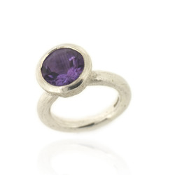 B-R04am Acorn Cup Ring, Amethyst