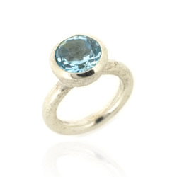 B-R04tp Acorn Cup Ring with Blue Topaz