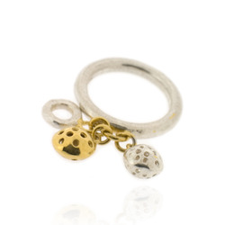 T-R02 3 mm round band with mini-ring &amp; 2 small charms