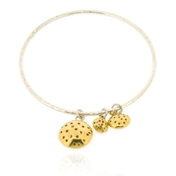 T-B08 2_2.5 mm round bangle with 3 charms - gold