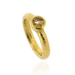 N-R06gp_ct Hammered Stacking Ring, Fully Gold-Plated with 5 mm Citrine