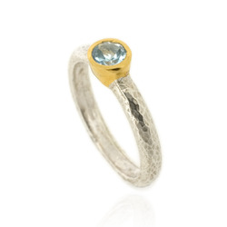 N-R06tp Hammered Stacking Ring, Silver with 5 mm Blue Topaz