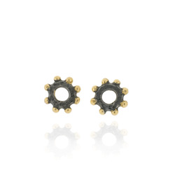 N-E02 Nina - Studs Earrings in sterling silver mini hammered ring with bobbles, Oxidized and Gold Plate finish