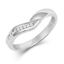 V Shaped Diamond Set Wedding Ring