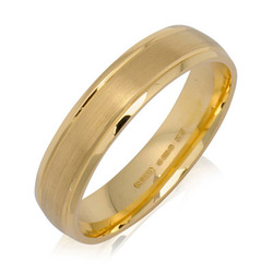 Outer Engraved Court Wedding Ring with Dual-Tone Finish