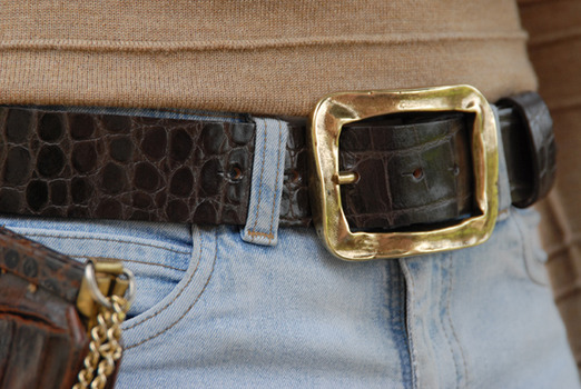 gold rectangle belt buckle